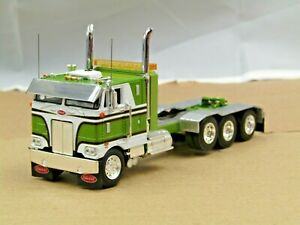 Dcp Custom stretched frame Peterbilt 352 green/white 4 axle heavyhaul 1/64
