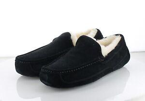22-35 MSRP $110 Men Size 10 M UGG Ascot Suede Slipper - Black