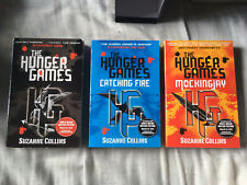 Hunger Games Book Trilogy Boxed Set Collection Suzanne Collins (Paperback, 2012)