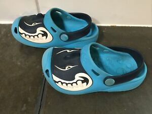 Toddler Shark Crocs size 10-11, blue