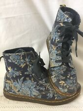Doc Martens Hackney Blue Floral Canvas 8 Eye Boots Womens 6 Romantic Boho