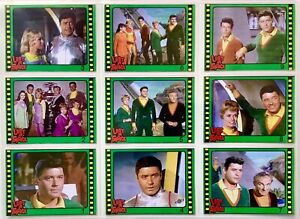 RARE set of 2 Lost in Space puzzle trading cards released in Argentina