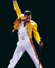 Freddie Mercury UNSIGNED photograph - M819 - Lead singer of Queen - NEW IMAGE!!!