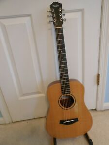 Taylor Baby (Model BT1) Traveling (3/4-Size) Acoustic Guitar with Padded Gig Bag