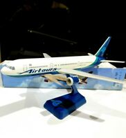 Long Prosper Airtours Boeing 767-300 1:200 Plastic model air plane avion Wooster
