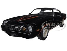 1978 CHEVROLET CAMARO Z/28 BLACK WITH ORANGE STRIPES 1/18 BY GREENLIGHT 12902