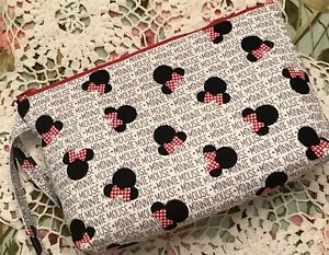 Quilted Wristlet Minnie Mouse fabric Pouch Wallet Bag Purse jsuey123