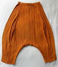 ISSEY MIYAKE - Pleats Please. Burnt Orange Pleated Dropped-Crotch Pants SIZE 5