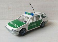 B.41)Siku 1076 VW Passat Variant GT Polizei