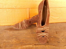 Vintage 1940s Suede Heels Pumps Shoes Size 7? Very Poor Condition.crumbling