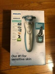 Philips Norelco 7700 Wet/Dry Men's Rechargeable Electric Shaver SmartClean (NEW)