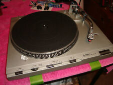 TECHNICS TURNTABLE SL D3 EX DEMO MODEL CLEANED AND WORKS GREAT WITH DUST COVER