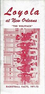 1971-72 LOYOLA NEW ORLEANS WOLFPACK BASKETBALL media guide, Original