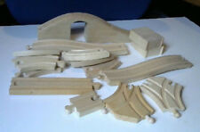 Thomas The Tank Engine/Brio large amount Of Wooden Tracking Inc Bridge/Risers/Su