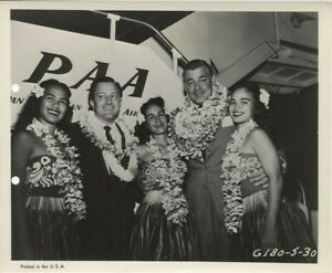 Soldier of Fortune Clark Gable PAA Airlines Hawaiian Lei Greeters Original Photo