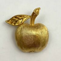 "Vintage Small Crown Trifari Apple Satin Brushed Gold Tone Pin Brooch 1"""