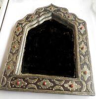 grand miroir ancien ottoman perce avec des incrustations de pierre rouge