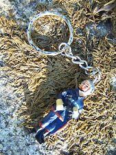 347772  PORTE  CLE   FIGURINE COLLECTION  POMPIER  PARIS MARSEILLE  GRIMP 50%