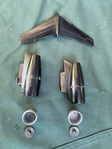 Agents Desk display Aircraft Space Models Parts HS 125 .? Engine And Tail 1/50 B