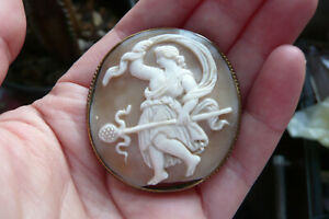 Victorian Carved Dancing Woman Shell Cameo and Gilt Metal Brooch