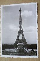 TOURIST PHOTOGRAPH (8.8x6.2 cm)- LA TOUR EIFFEL, PARIS FRANCE