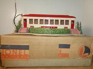 LIONEL O GAUGE # 442 ILLUMINATED DINER AND BOX