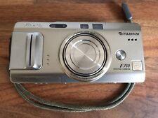 Fujifilm FinePix F710 6.2MP Argento Fotocamera Digitale Compatta 4x Zoom ottico