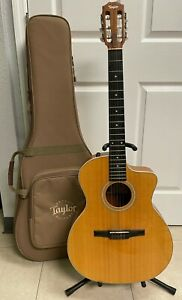 Taylor 214ce-N Grand Auditorium Acoustic-Electric with Soft Case