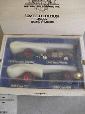 1989 ERTL Mid States 3 Tractors with 1940 Woody Set in Wood Box NIB