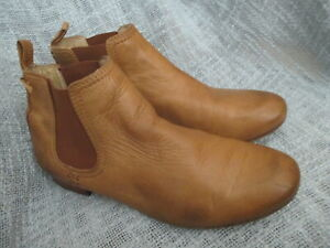 FRYE WOMENS BROWN LEATHER ANKLE BOOTS, SIZE 7.5M