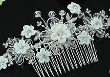 Nuptial fait à la main blanc fleur cristal peigne à cheveux