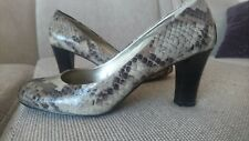 NEW Liz Claiborne Women Leather Johnnie Gray Snake/TaupeCamel Pattern Shoes 8.5M