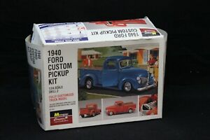 Monogram 1940 FORD CUSTOM PICKUP 1:24 Scale Vintage Model Kit Open Box NICE