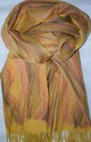 Warmer Schal in Gelb mit kunstvoll gewebtem Farbverlauf in schönen Farben