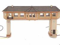 Reiterstellwerk Brückenstellwerk mit Stelltischen BELEUCHTET Spur N D0497