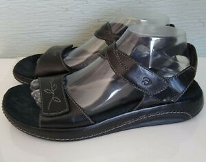 NWOT Aravon Women's Sz 9AA Black Leather Sandals Comfort Sole Strappy