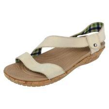 Sandali e scarpe Crocs con tacco basso (1,3-3,8 cm) per il mare da donna 100% pelle