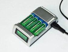 Batteria ricaricabile a 4 slot AA / AAA Ni-MH / Ni-Cd LCD intelligente