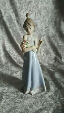 Retired Lladro Spring Token Porcelain Figurine #5604 Collectible Lady w/Bouquet