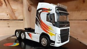 1:32 Scale Welly Volvo FH4 Globetrotter XL, Code 3, Decals & Roof Bar