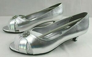 NEW Touch Ups Womens Dress Slip-on Peep Toe Silver Leather Upper Shoe Size 9.5W