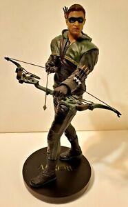 """Green Arrow Oliver Queen 13"""" Statue -- Gentle Giant Studios DC Collectibles"""