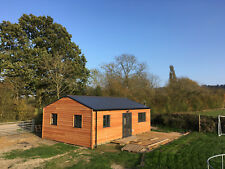 Tiny House. 2 lits, Self Contained. 9 m x 6 m. £ 925 m². Partie 2 de 2