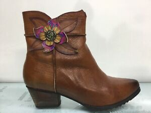 L'Artiste by Spring Step Women's Brown Zip Up Boots Size 9.5⭐️