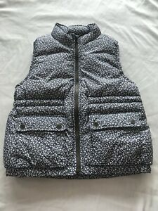 NWT GAP KIDS GIRLS FLORAL PUFFER VEST GRAY & WHITE SIZE XXL(13)