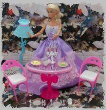 Mobilier Table Chaises Lampe Vaisselle Salle à Manger Poupée Barbie Mannequin
