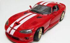 1:18  Bburago 1997 Red and White Dodge Viper GTS Coupe Item 3075