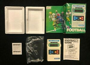 MATTEL FOOTBALL vintage electronic handheld game 1977 COMPLETE Plays PERFECT!