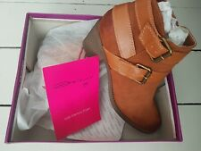 Dolcis shoes size 6