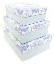 Contenitori e scatole di cartone blu per la casa